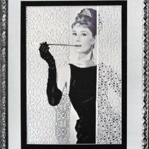 """""""Colazione da Tiffany. Audrey Hepburn"""". Kit ricamo a perline"""