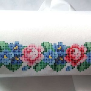 """Rose e viole"". Borsetta-pocket ricamo a perline, bianca"