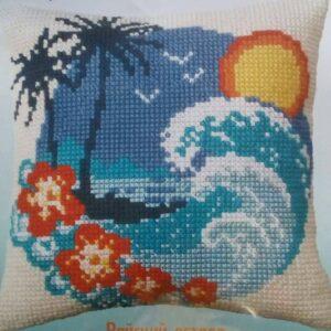 """Brezza hawaiana"". Kit-ricamo per cuscino"