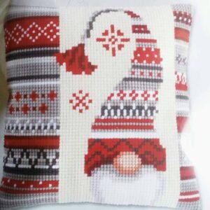 """Christmas elf"". Kit-ricamo per cuscino"