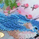 """Uccellino blu. Vintage"". Kit ricamo a perline con base di velours"