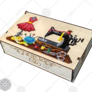 """""""Cucitrice"""". Organizzatore di legno ricamo a perline"""