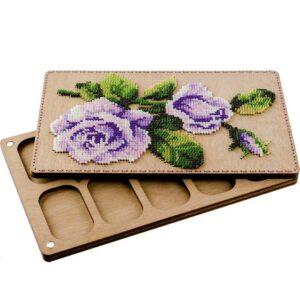 """""""Le rose"""". Kit-Contenitore di legno ricamo a perline"""
