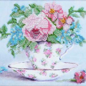 """""""Piccolo bouquet in stile vintage"""". Kit ricamo a perline con base di velours"""